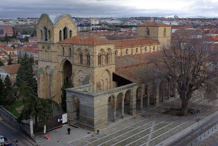 Basilica of San Vicente de Avila by David Perez via Wikipedia CC