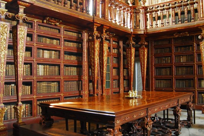 Biblioteca Joanina Library by Trishhhh via Wikipedia CC