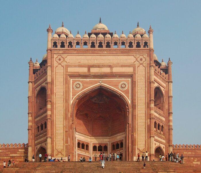 Buland Darwaza, the 54-metre-high (177 ft) entrance to Fatehpur Sikri complex by Marcin Bialek via Wikipedia CC
