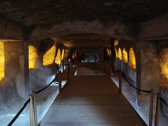 Catacombs of Milos by Vihou World via Wikipedia CC