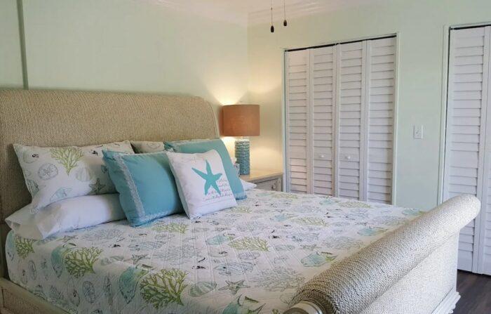 Entire house rental in Islamadora FL with Balcony