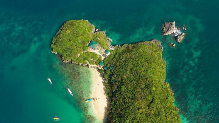 Hundred Islands National Park, Pangasinan photo via Depositphotos