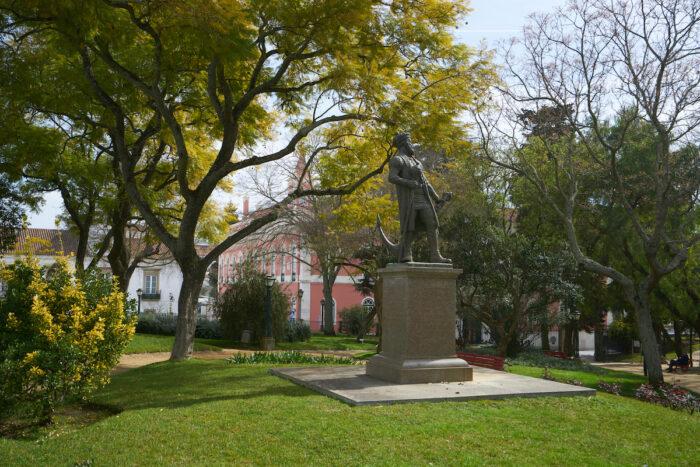 Jardim Publico photo via Depositphotos