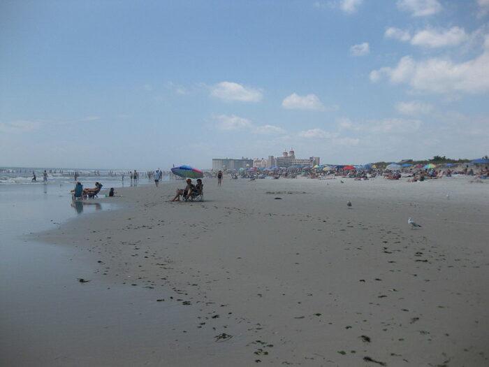 Lido Beach by Agiorgio via Wikipedia CC