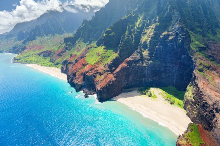 Na Pali Coast on Kauai island photos via Depositphotos