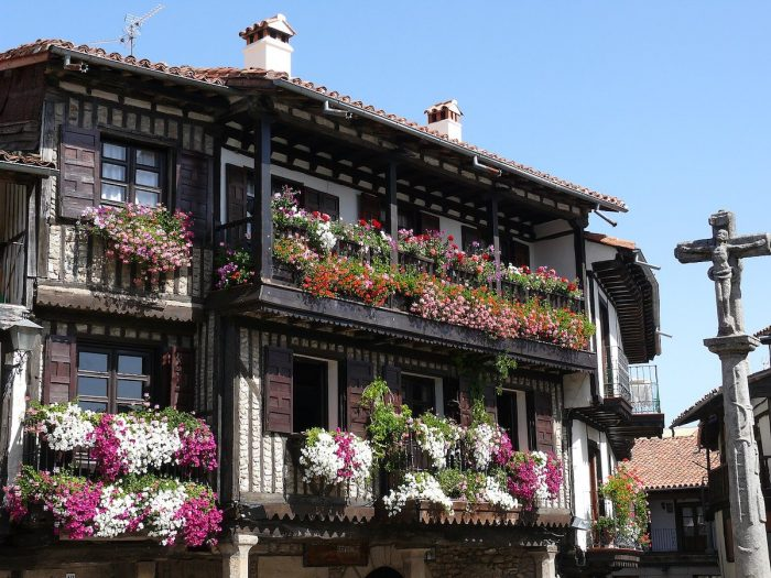 One of the traditional old houses in La Alberca by Conde Negro via Wikipedia CC