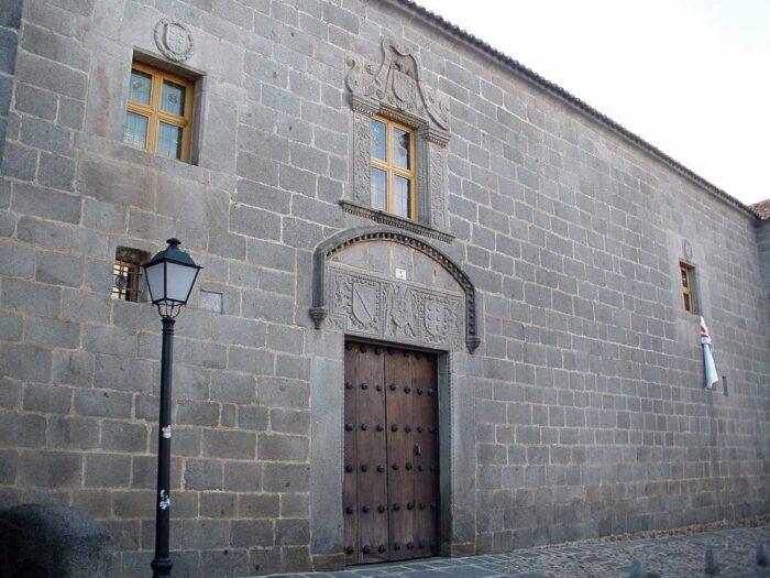 Palacio de los Verdugo house by Zarateman via Wikipedia CC