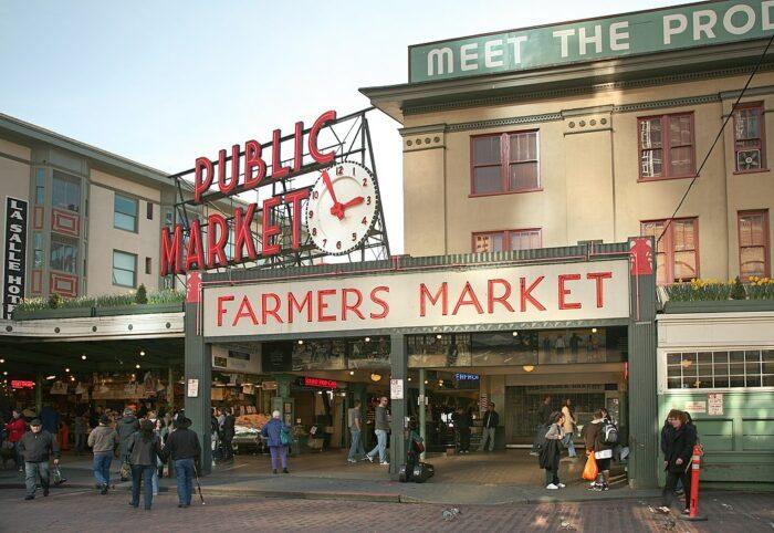 Pike Place Market Seattle by Daniel Schwen via Wikipedia CC
