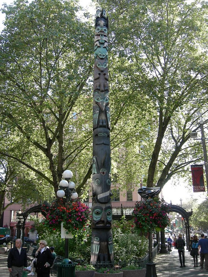 Pioneer Square Totem Pole by Joe Mabel via Wikipedia CC