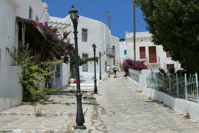 Plaka, the center of the island Milos by Zde via Wikipedia CC.jpg