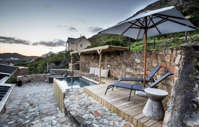 Plunge pool with under cover pergola