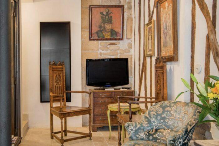 Romantic Apartment Rental in Paris