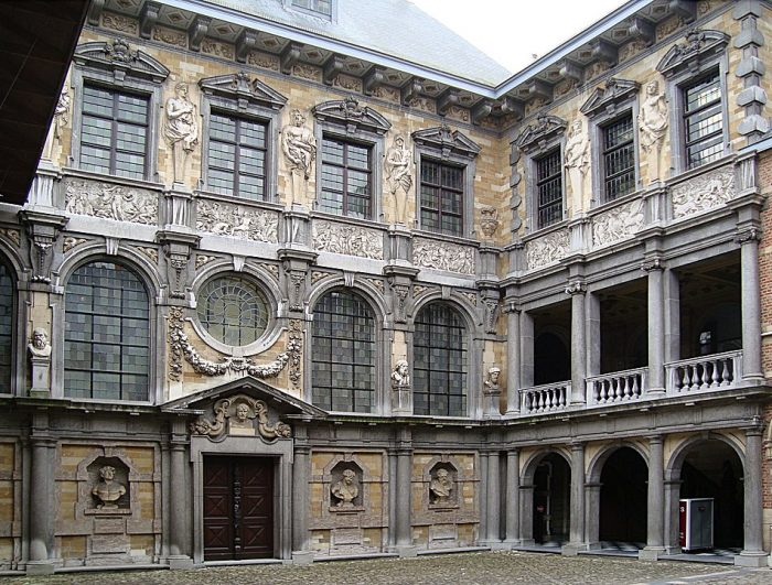 Rubens House Interior courtyard by Velvet via Wikipedia CC