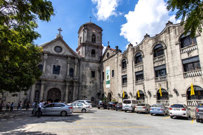 Iglesia y Museo de San Agustín en Intramuros foto vía DepositPhotos