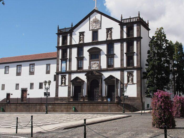 Sao Joao Evangelista Church by Hajotthu via Wikipedia CC