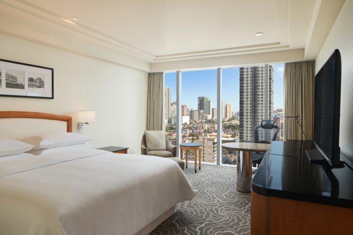 Sheraton Manila Bay Deluxe Guestroom