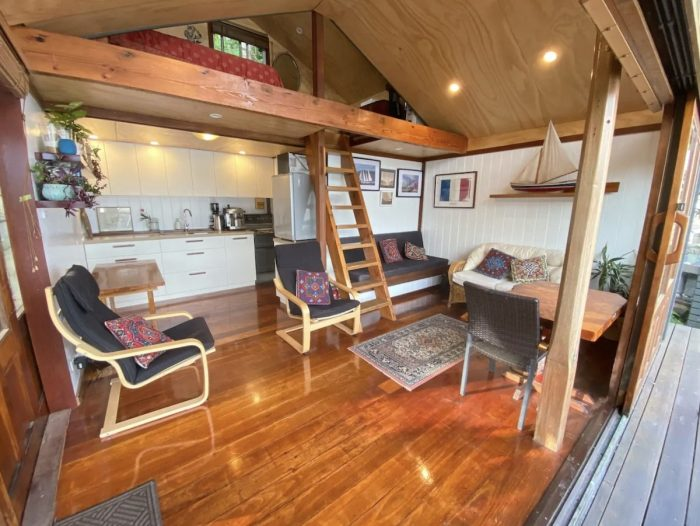 Sydney Secluded Waterfront Cottage Rental