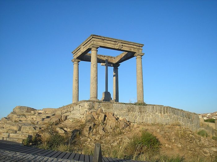 The Four Posts of Avila by Aloriel via Wikipedia CC
