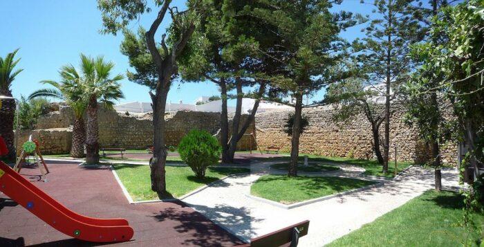 Castelo de Alvor by RHaworth via Wikipedia CC