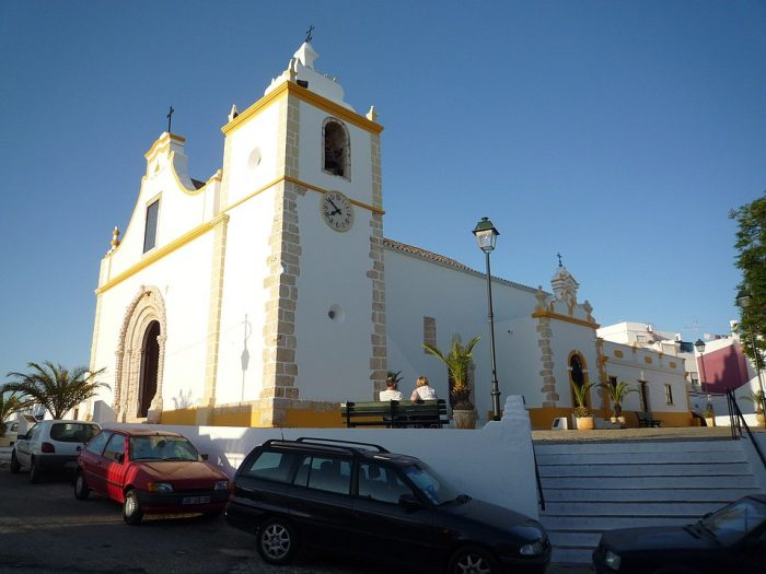 Igreja matriz do Divino Salvador Alvor by RHaworth via Wikipedia CC