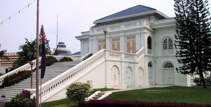 Istana Besar by AngMokio via Wikipedia CC