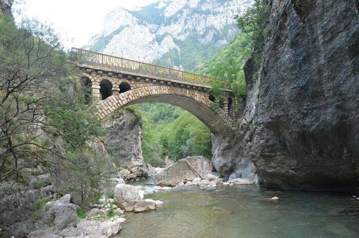 Rugova Canyon by Arba Hatashi via Wikipedia CC