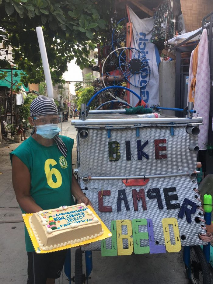 : Tatay Joey Belo proves how one can dedicate his life to be a blessing to others as he takes happiness and joy to kids in the streets with his makeshift bike camper.  (Photo taken from Bike Camper JBelo's social media page)