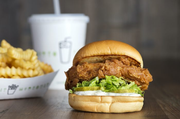 Chick'n Shack (Crispy chicken breast with lettuce, pickles and buttermilk herb mayo)