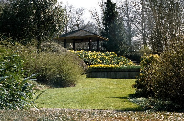 Provincial domicile Huizingen from Kris.buelens via Wikipedia CC