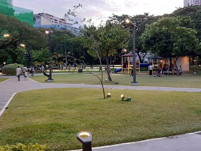 Legazpi Active Park in San Lorenzo Village, Makati CBD, Metro Manila by Riohondo via Wikipedia cc