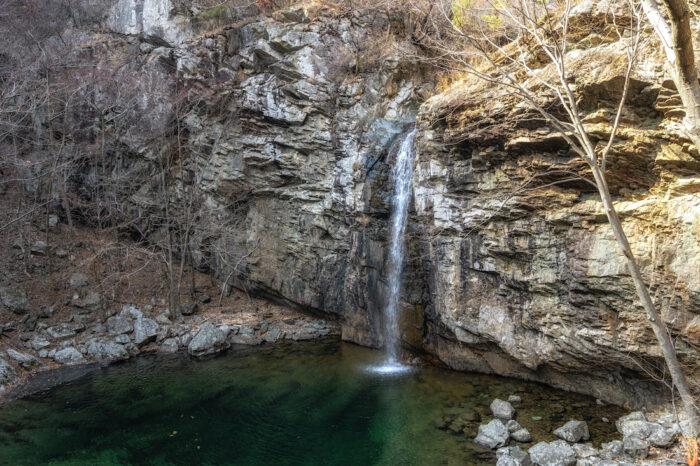 Paraesopokpo Falls photo via Depositphotos