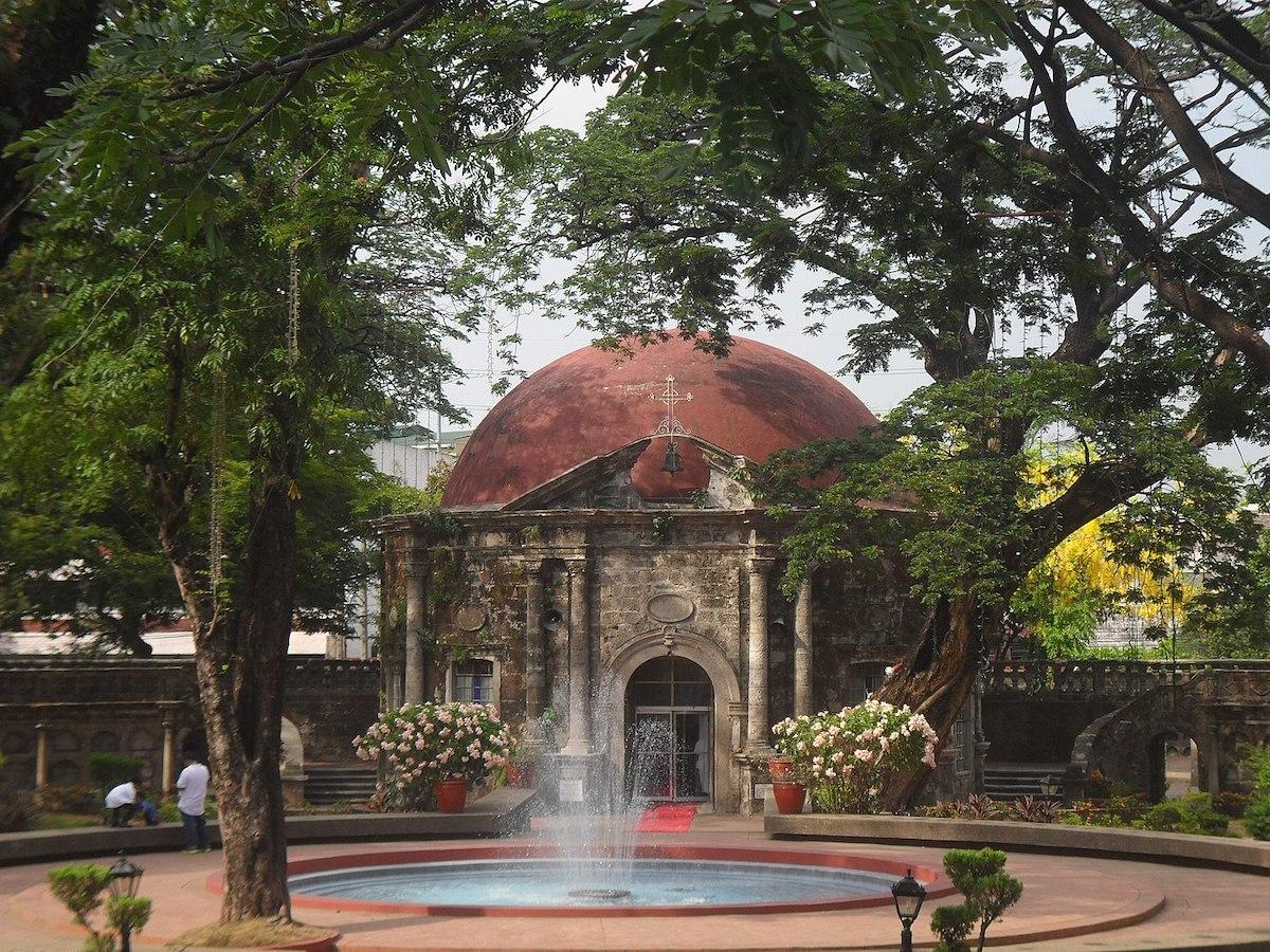 St. Pancratius Chapel at the rear of Paco Park by Carlojoseph14 via Wikipedia CC