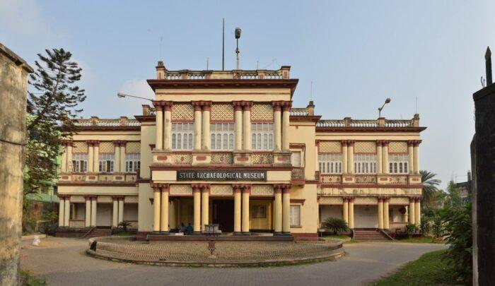 Museo Arqueológico Estatal de Calcuta por Biswarup Ganguly a través de Wikipedia CC