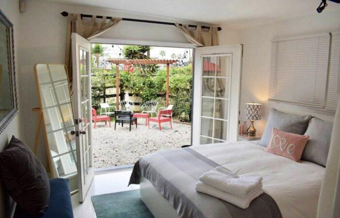 Airbnb Venice Beach Bungalow