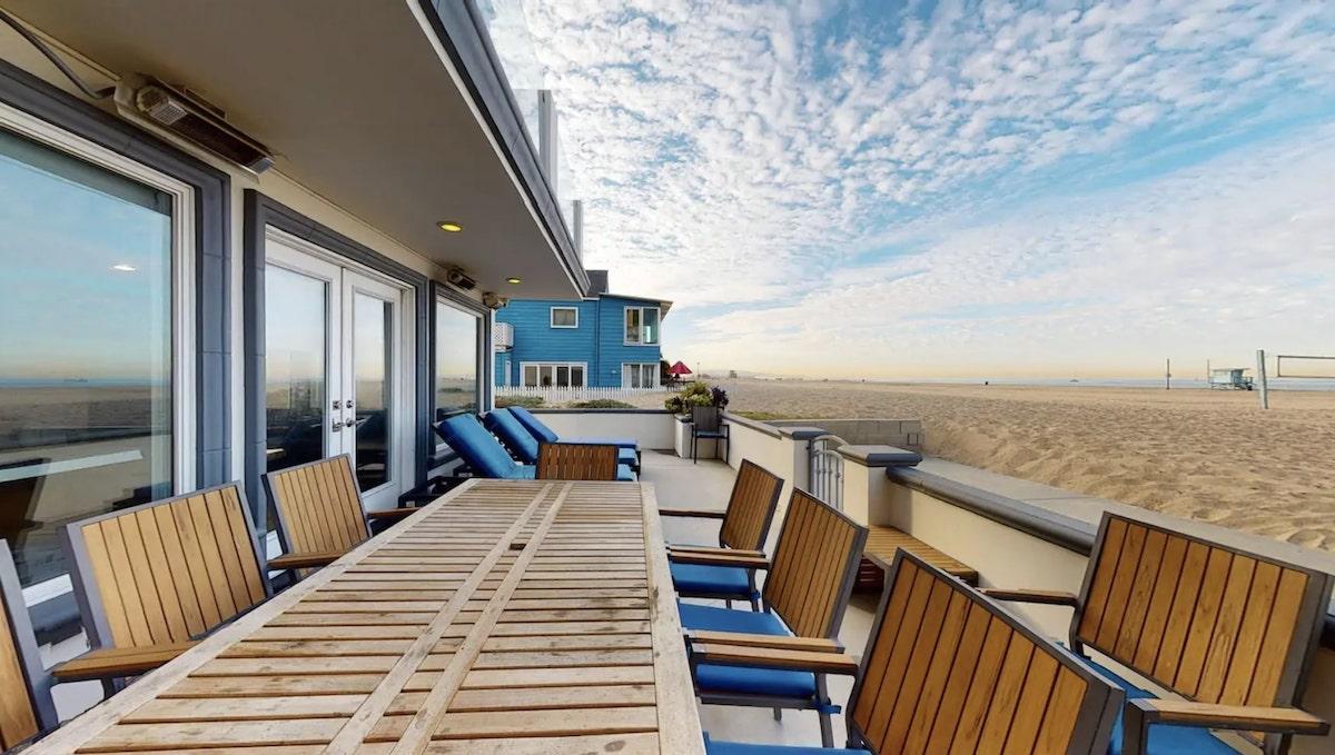 7 Best Beachfront Airbnbs in Venice Beach, LA