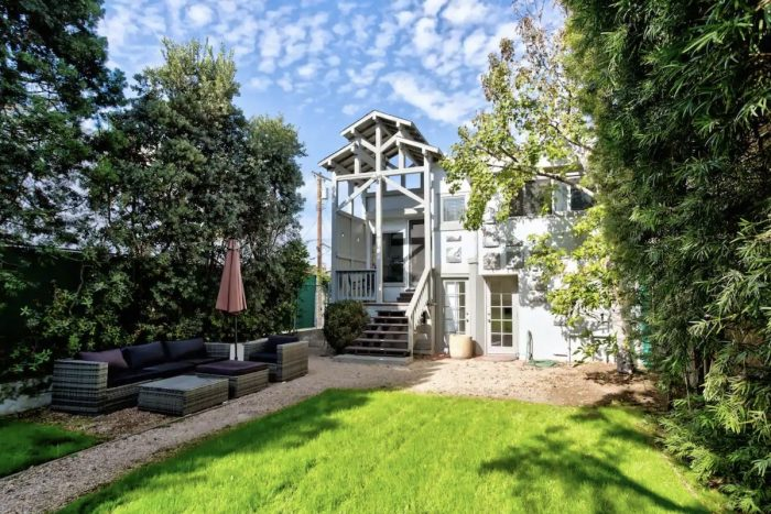 Great House Airbnb With Pool Near Venice Beach LA