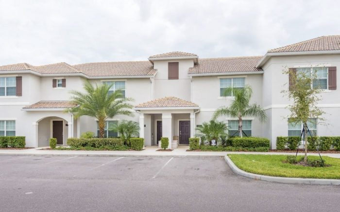 Kissimmee Townhouse Rental with Clubhouse and Private Pool
