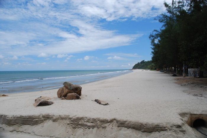 Teluk Chempedak Beach by Alpha via Flickr CC