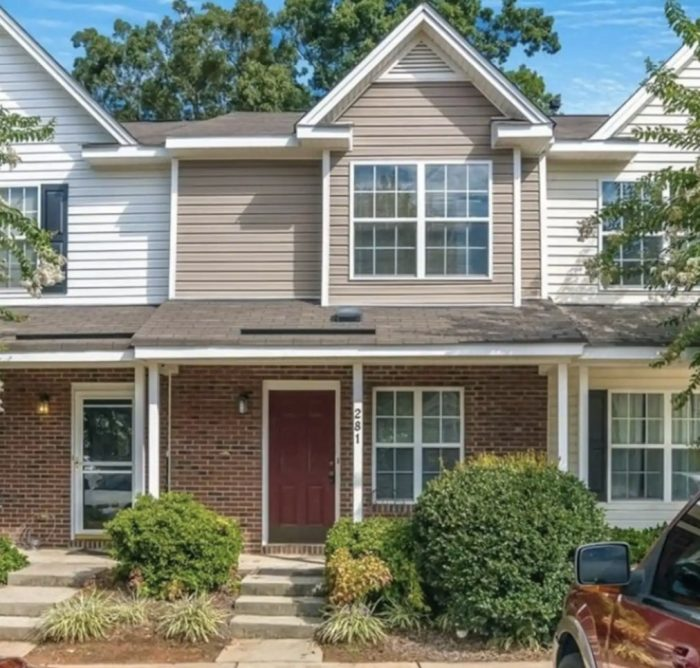 Townhouse for rent in Greensboro NC