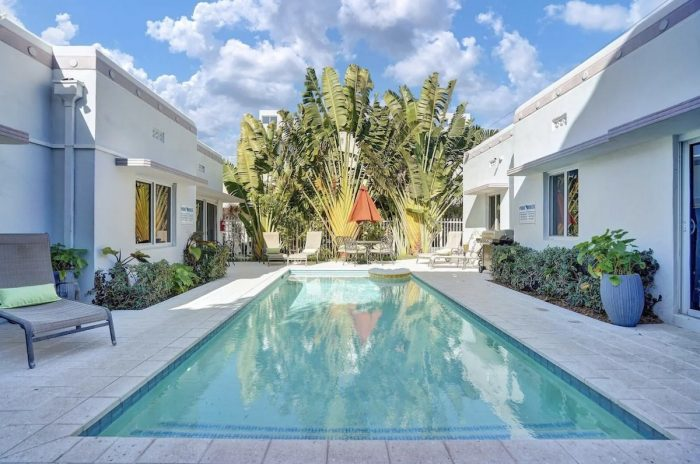Airbnb Miami Beach House with Pool
