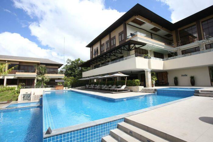 Anya Resort Tagaytay Infinity Pool