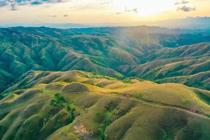 Apao Rolling Hills by Oscar Regunas Lampayan Jr via Facebook