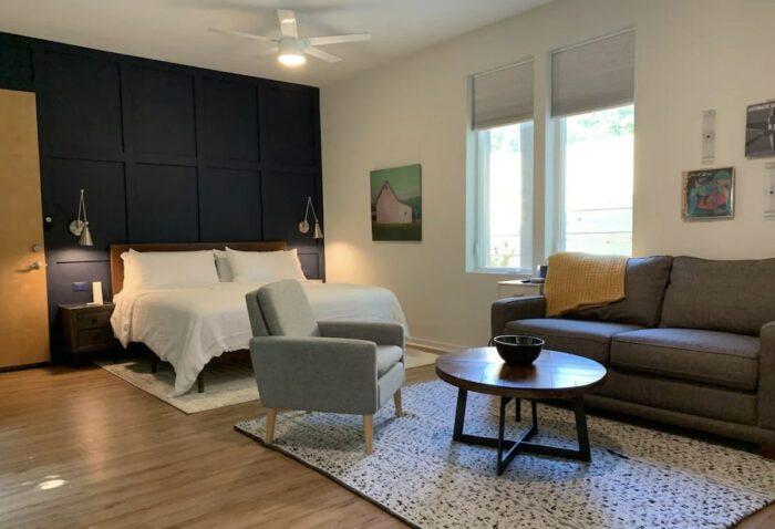 Athens GA Airbnb near Restaurants, Bars and Hospital
