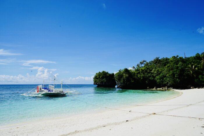 Beachfront of Amon Ini Beach Resort in Anda