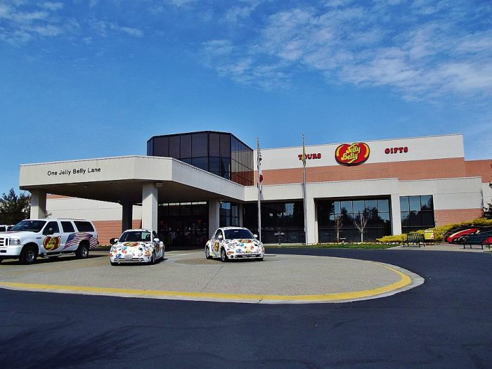 Entrance to the Jelly Belly Fairfield factory and visitor's center by Amadscientist via Wikipedia CC