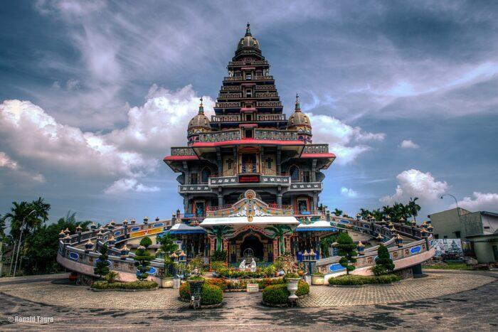 Graha Maria Annai Velangkanni in Medan by Ronald Tagra via Wikipedia CC