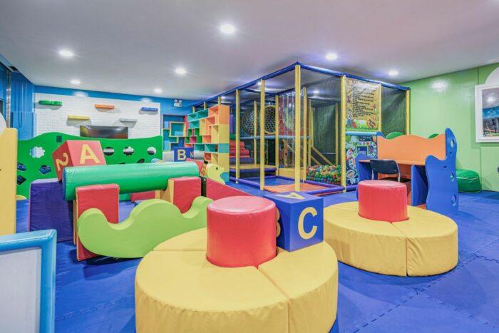 Hilton Clark Kid's Club