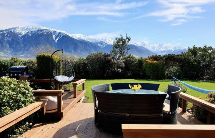 Kaikoura Airbnb with a view and hot tub