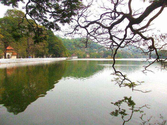 Lago Kandy en Sri Lanka