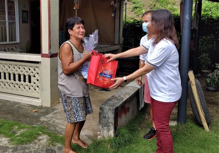 Metro Pacific noche buena bags for households